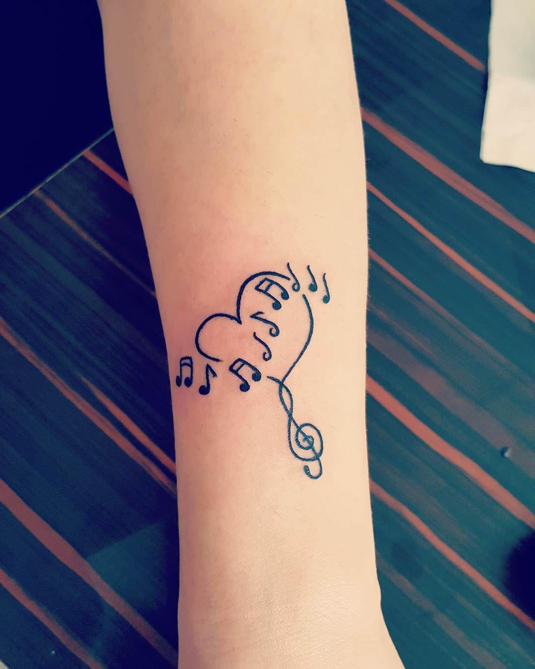 Awesome удивительные тату на запястье для девушек лучшие варианты