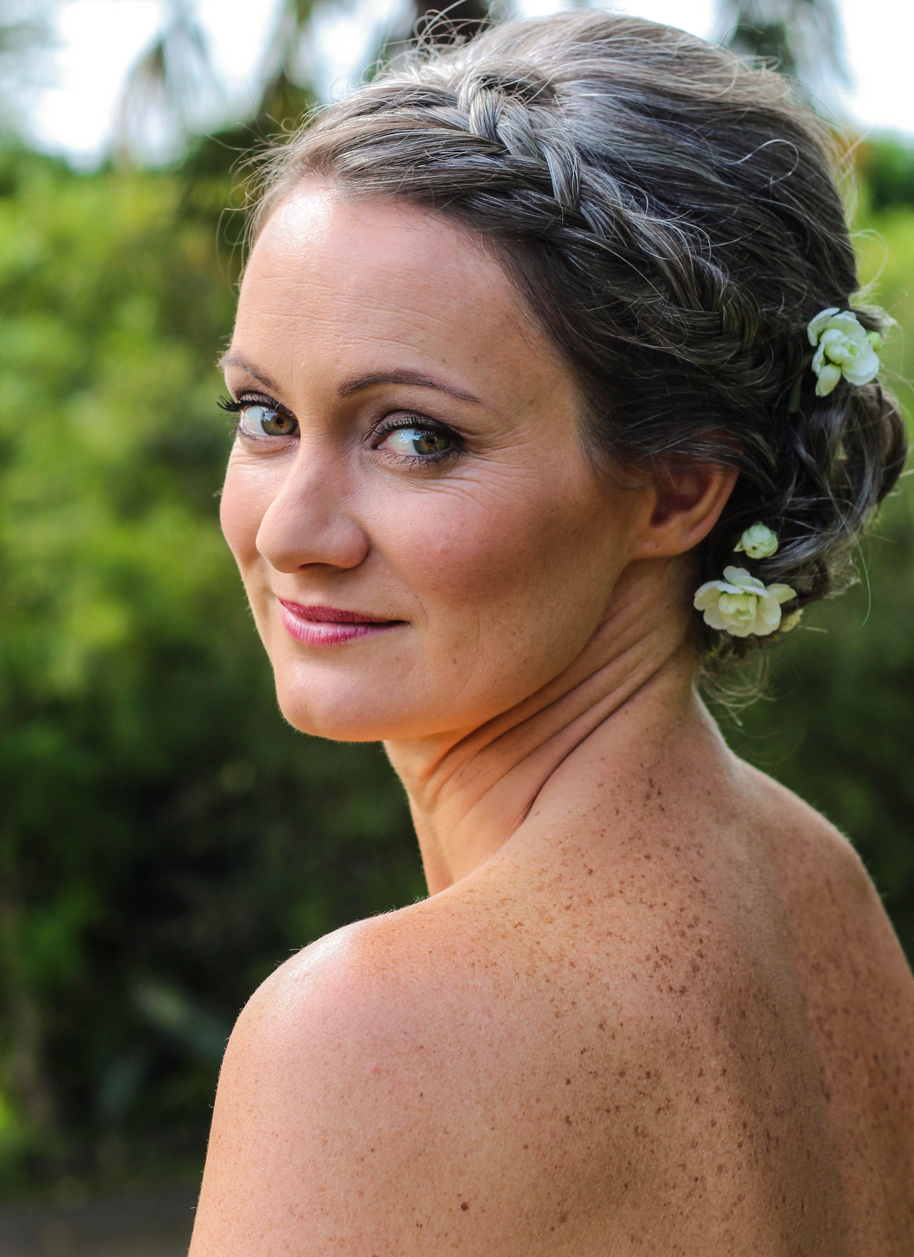 Bride Louise for her wedding day in Te Puna her cool
