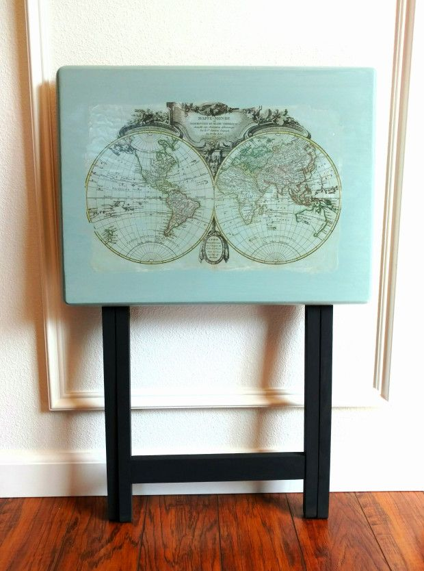 Painted TV Tray with Image Transfer #DIY #furniturepaint #paintedfurniture #homedecor #imagetransfer #tvtray #globe #map #vintage - blog.countrychicpaint.com