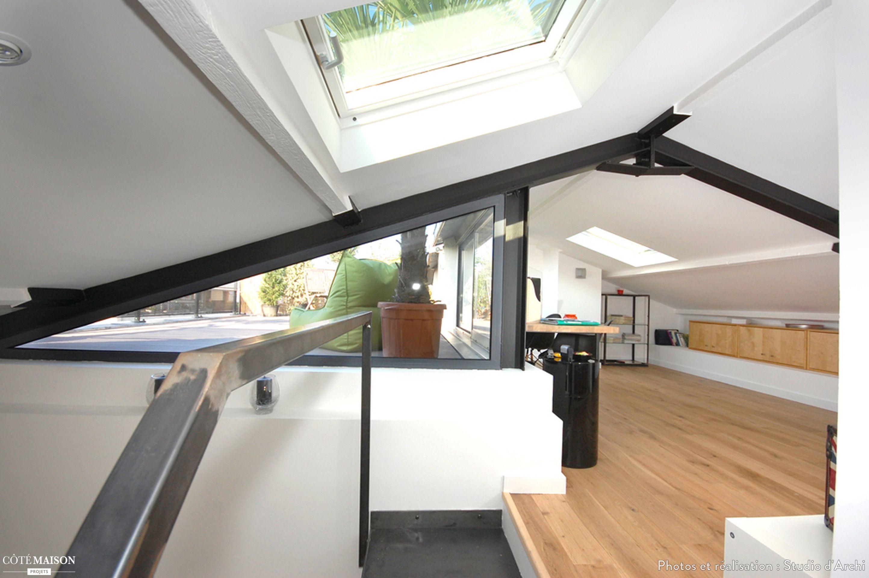 Creer Une Terrasse Tropezienne un bureau aménagé dans les combles, lumineux et moderne