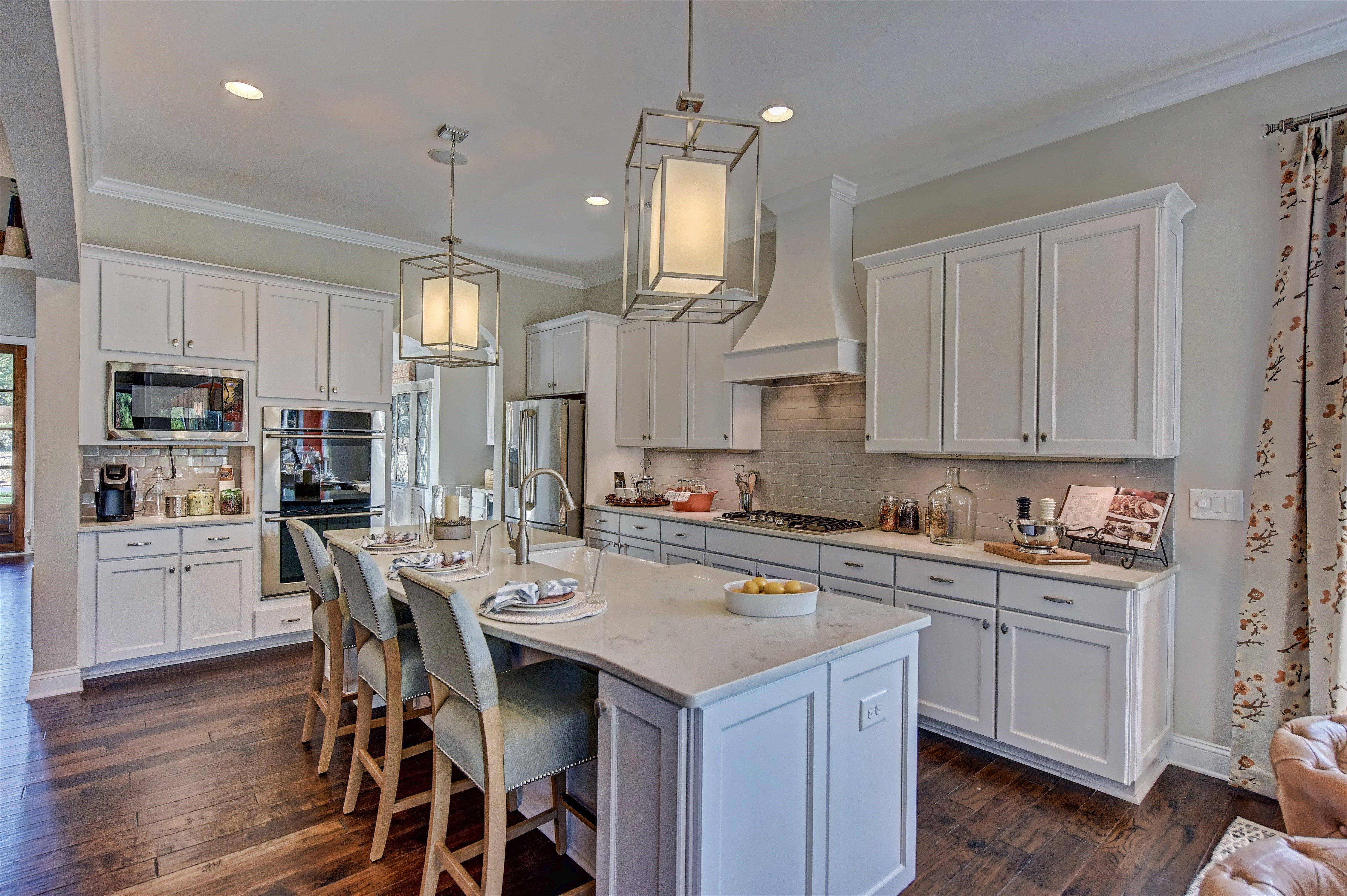 Alpine White Cabinets By Echelon Whitecabinets Kitchen White Cabinets Kitchen And Bath Kitchen