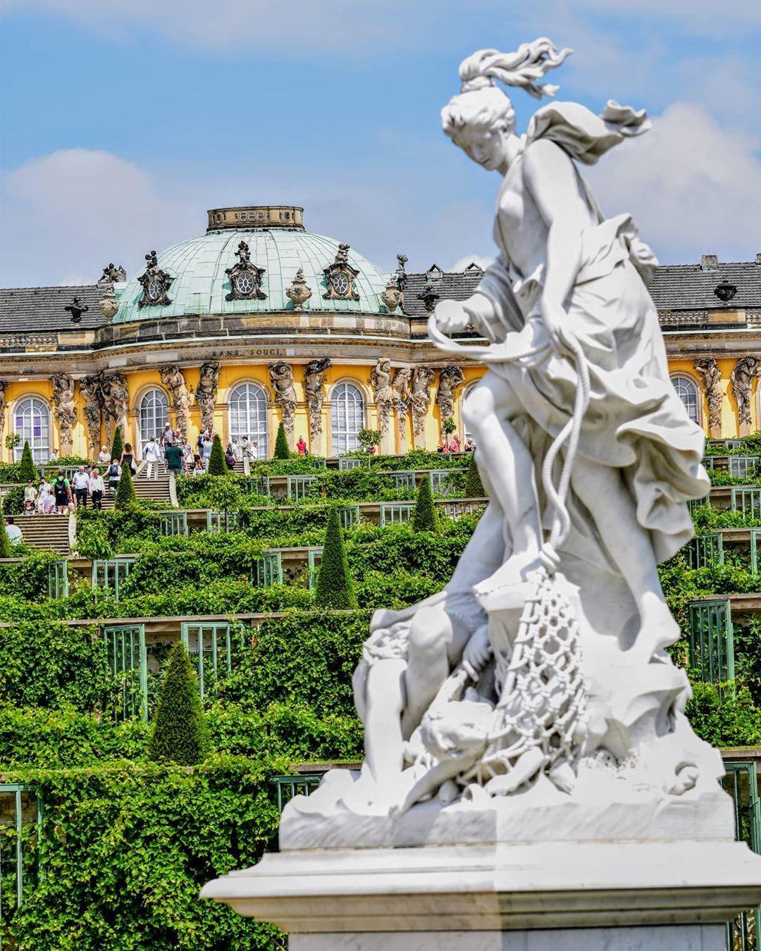 Schloss Sanssouci Sanssouci Palace Potsdam Germany In 2020 Sightseeing Germany Travel Travel