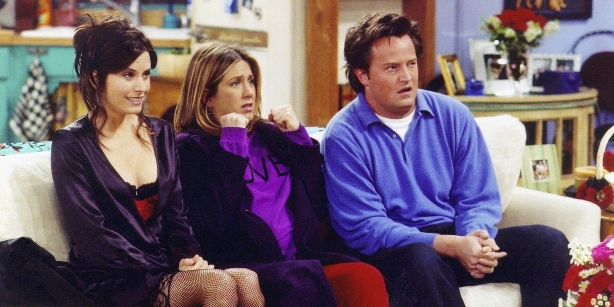 The Most Iconic Valentine S Day Tv Episodes In 2021 Friends Episodes Jennifer Aniston Friends Reunion