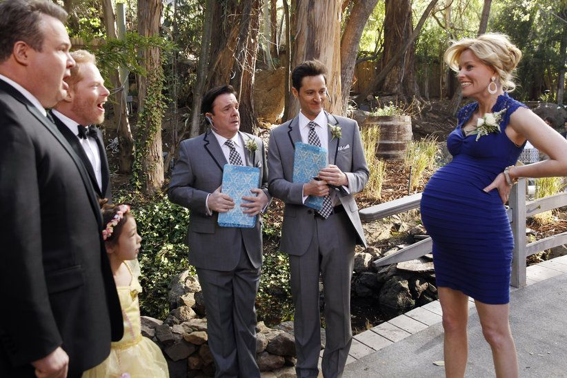 Modern Family 5 23 The Wedding Part 1 Up In Flames Modern Family Episodes Modern Family Modern Love