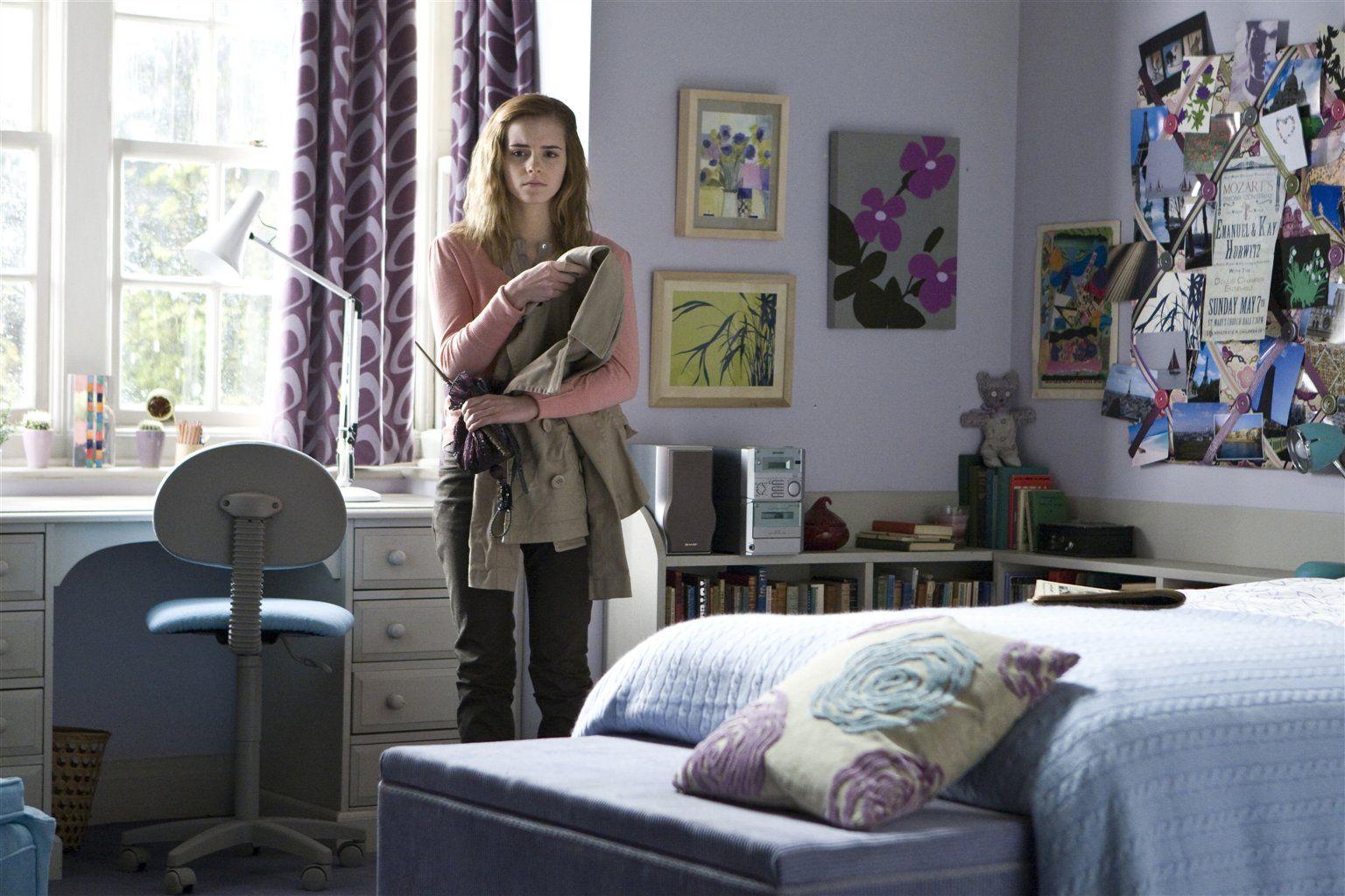 Hermione 39 S Room At Home Bookshelf Bench My Children Need
