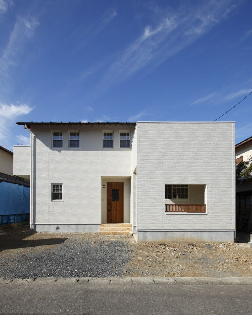 駐車スペースを確保 シンプルな外観の家 Igstylehouse アイジー