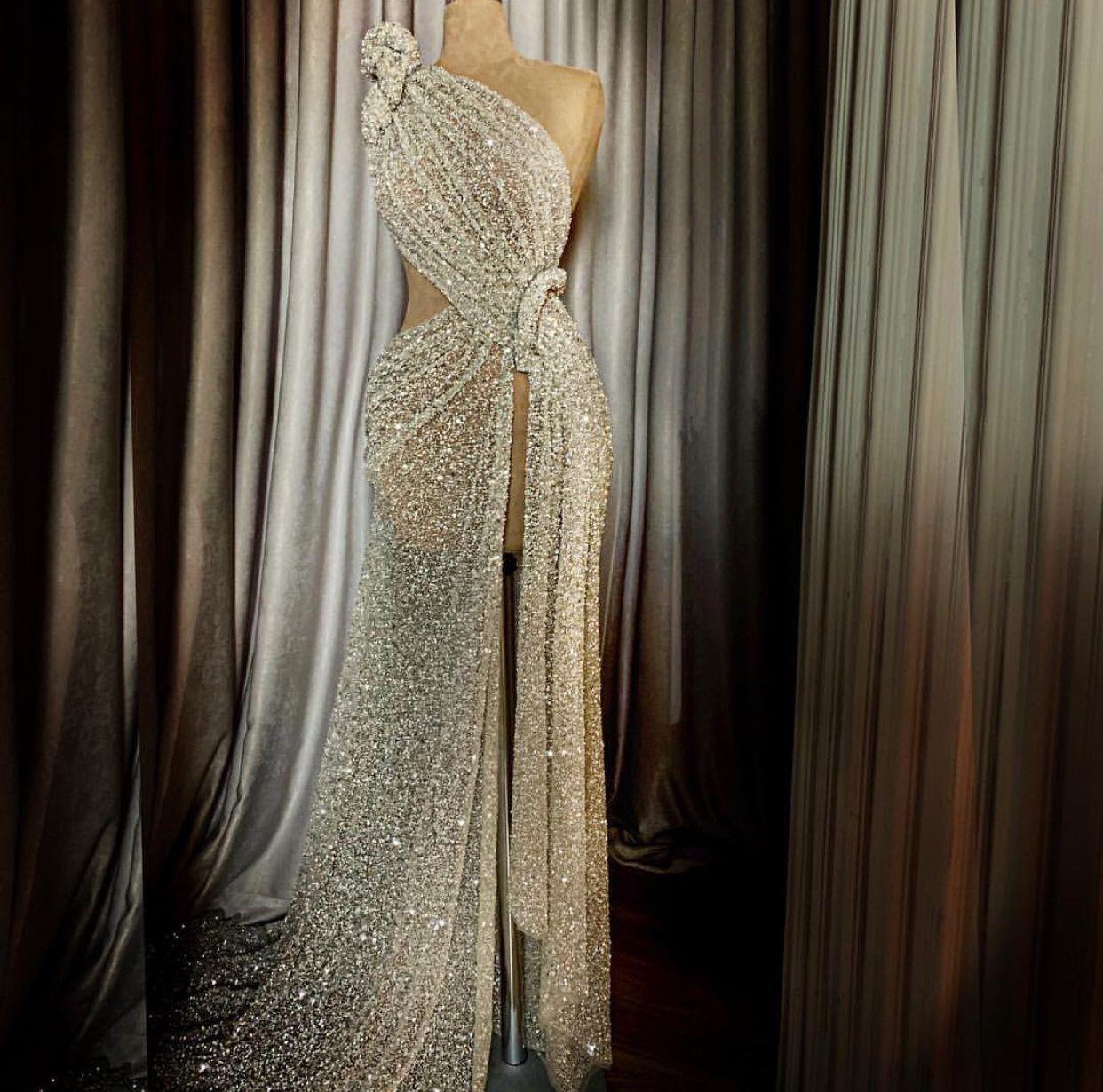 2168da059c404 Red carpet dress by Lena Berisha | Haute couture en 2019 | Robe ...