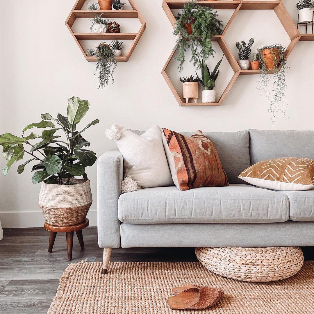 #graysofa #bohodecor #bohemiandecor #neutralhomedecor #neutraldecor #bohemianlivingroom #livingroomdecor