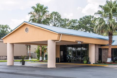 Quality Inn Is Located At 1024 E Oglethorpe Hwy Hinesville Ga