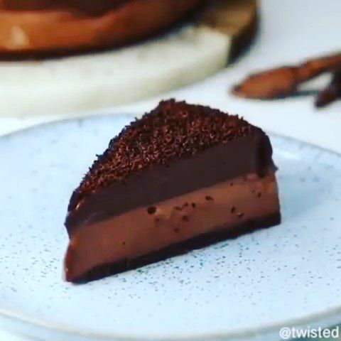 Chocalate cheesecake🍫🍰 - Follow @theDessertsguy Follow @theDessertsguy - - - - By: @channelfoods