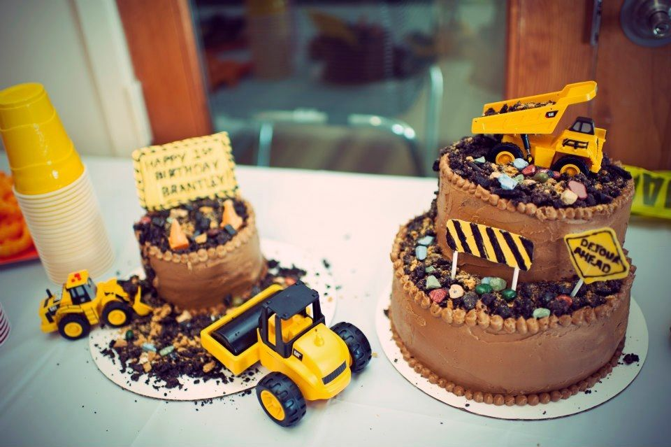 Prime Construction Themed Cake This Was My Little Boys 1St Birthday Personalised Birthday Cards Veneteletsinfo