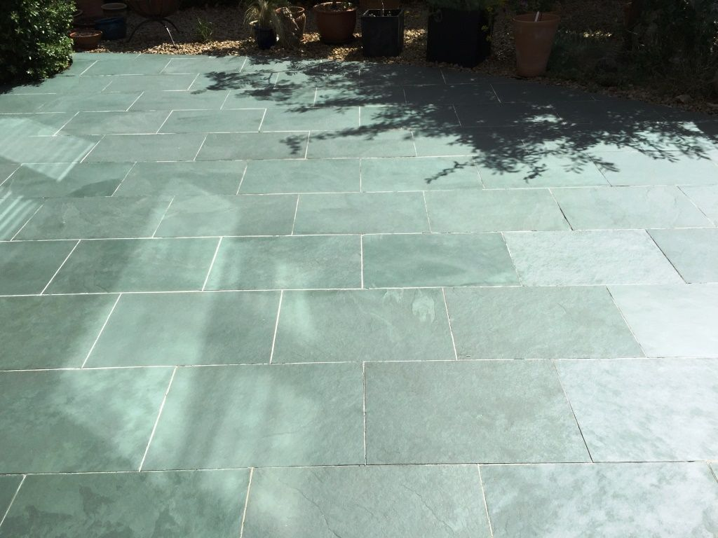 Back Here With Another Job This Time In The Small Commuter Town Of Chinnor In Oxfordshire To Clean And Seal A Slate Patio Which Patio Tiles Slate Patio Outdoor Tiles
