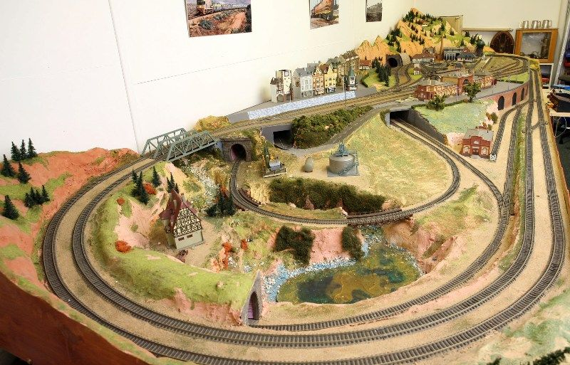 HO Train Layout Construction | All in One Ho Scale Model ...