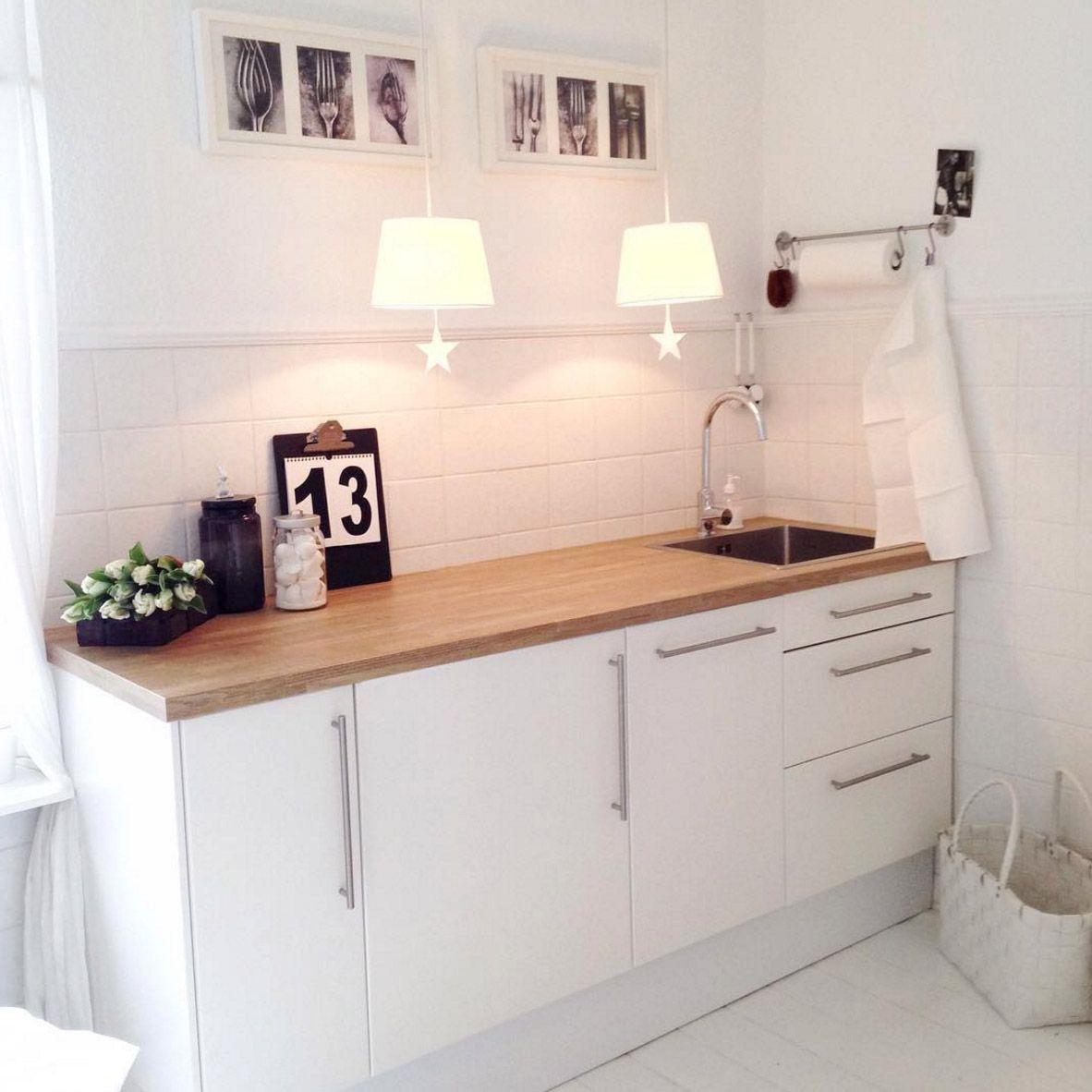 weisse-kueche-mit-holz-modern | Küche | Pinterest | weiße Küchen ...