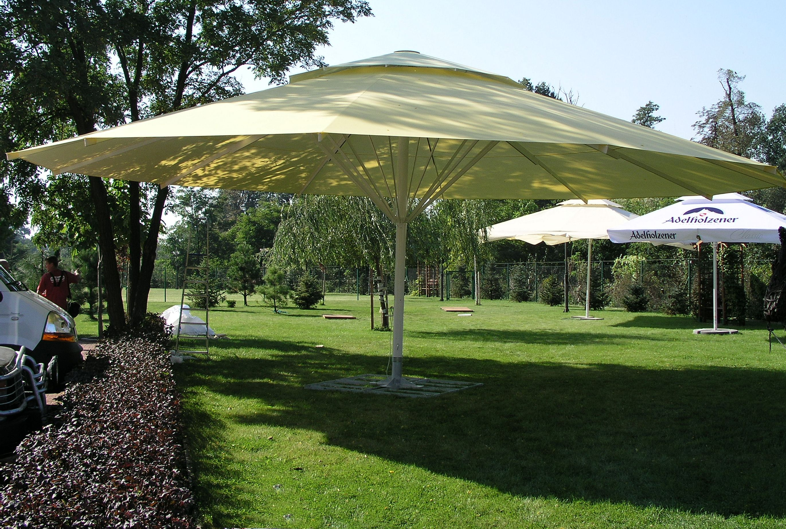 Square 4x4 Zeta Large Umbrellas And Parasols - Apex