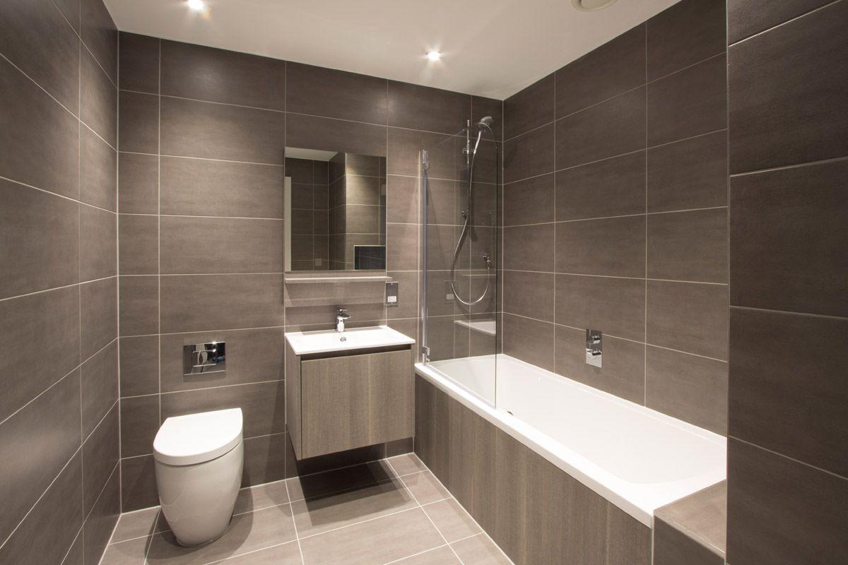 A Modern Central London Apartment Bathroom Design Featuring - Bathroom design london