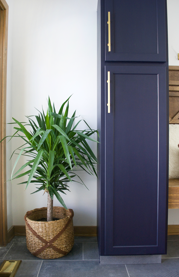 Entryway Update #1: Before & Sherwin-Williams Anchors Aweigh Entryway
