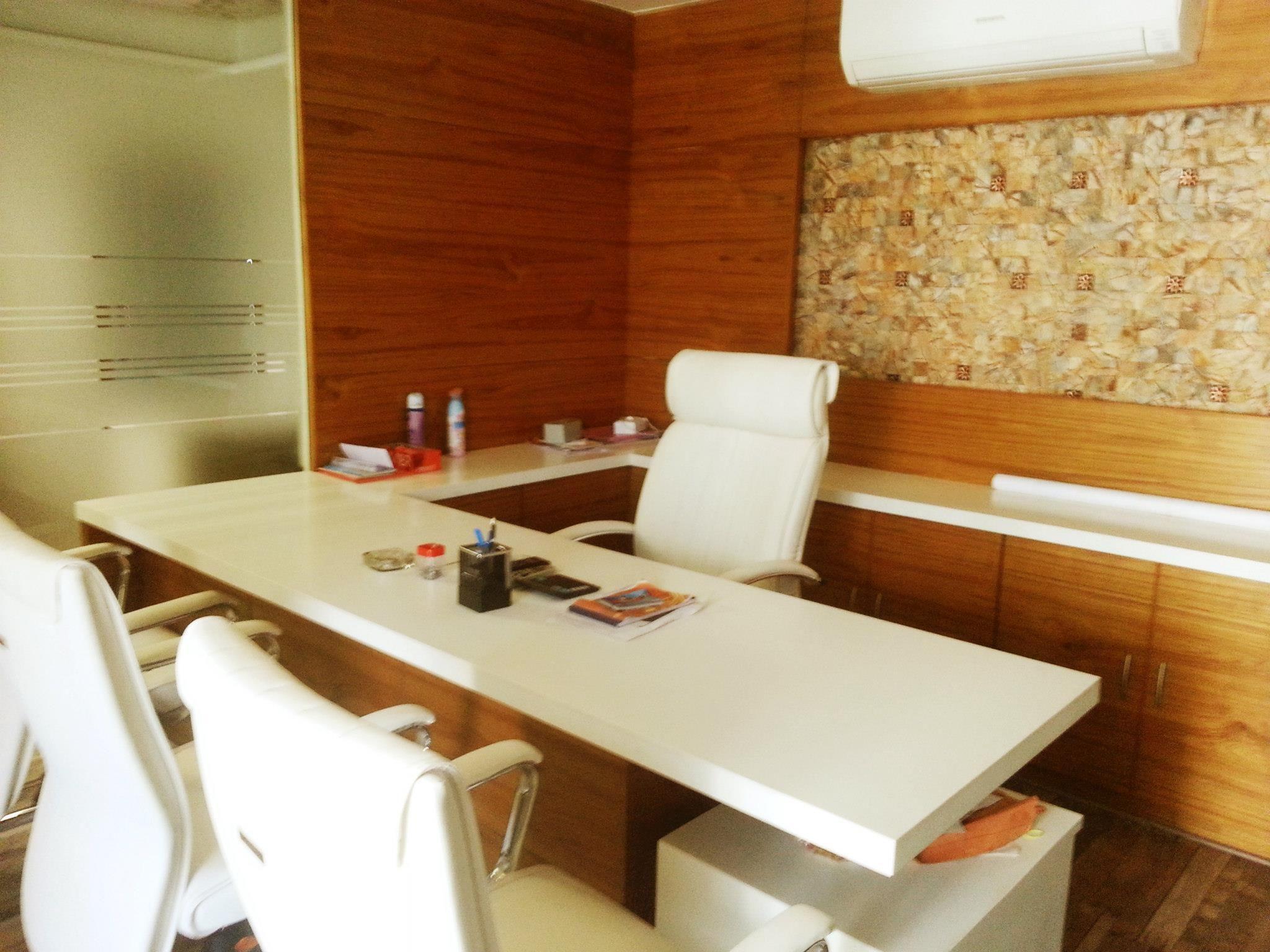 Gallery Small Office Interior Design Designing Azurerealtygroup Modern Corporate Office Interi Cabin Interior Design Office Interior Design Office Cabin Design