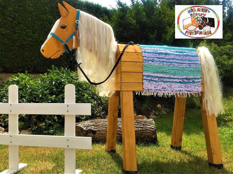 Osterreich S Schonstes Holzpferd 217 4484 Thaling Willhaben Holzpferd Holzpferd Garten Pferd