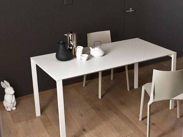 Thin-K-la-table-de-6mm-par-Luciano-Bertoncini-kristalia-design ...