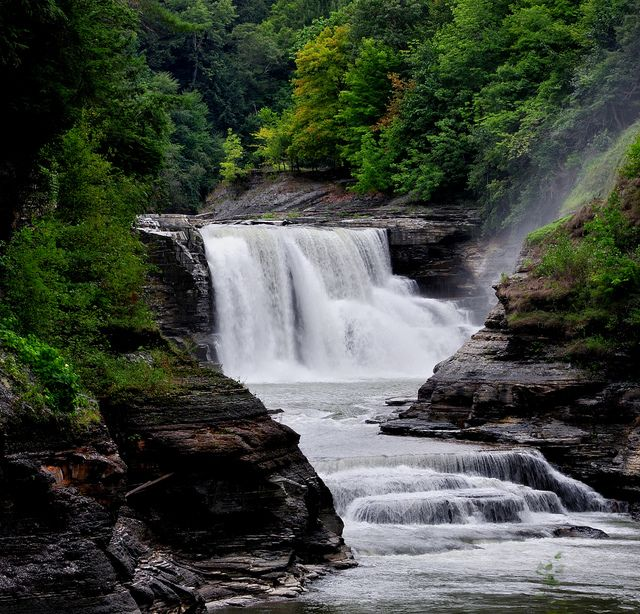 lower falls gorge letchworth state park scenery and park rh pinterest com