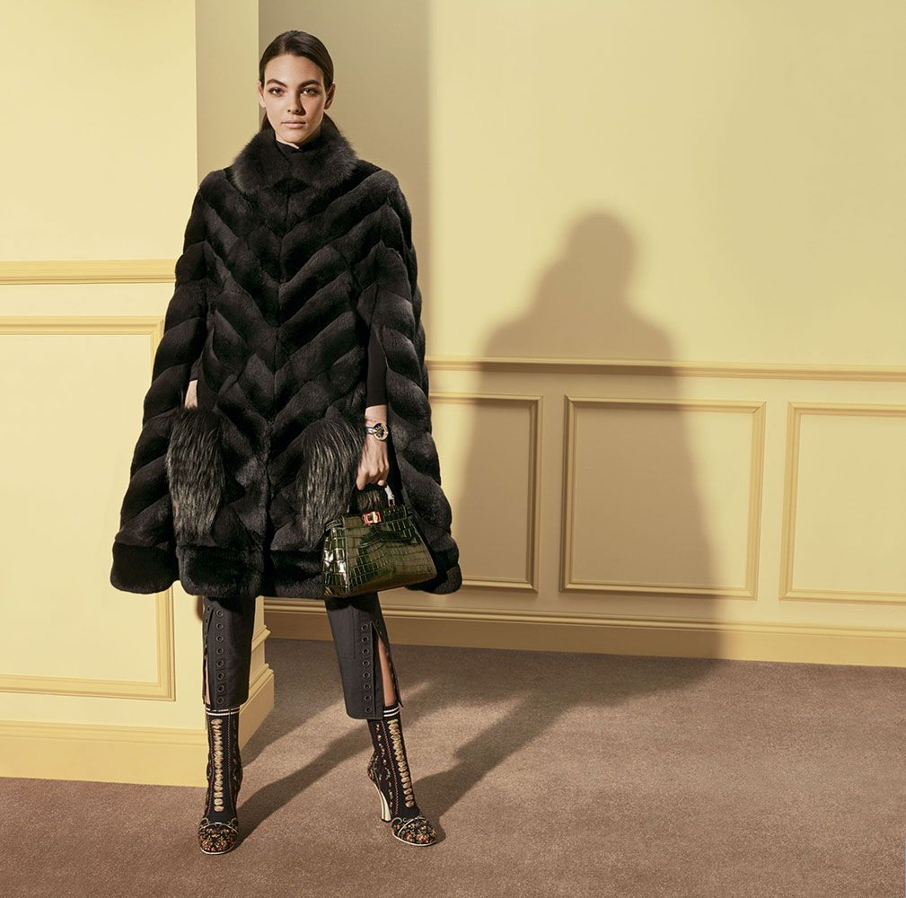 modelli di cappotti corti da donna eleganti