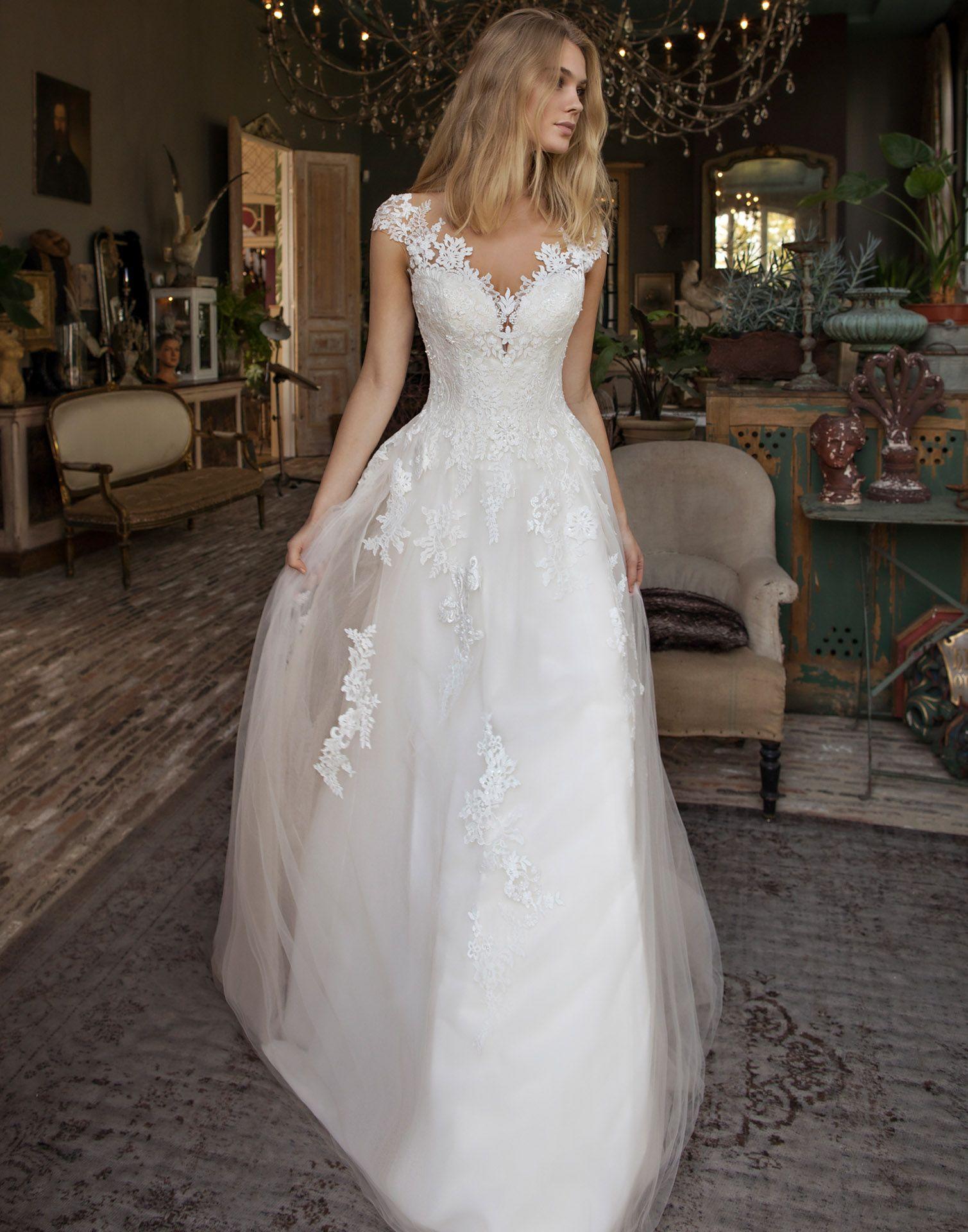 Detroit a beautiful empire waist wedding dress with soft cap
