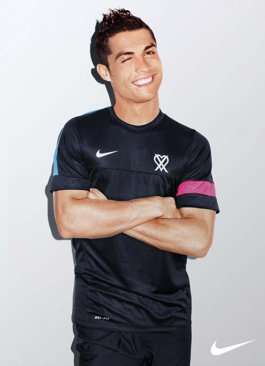 cristiano ronaldo in the nike training top cr7collection. Black Bedroom Furniture Sets. Home Design Ideas