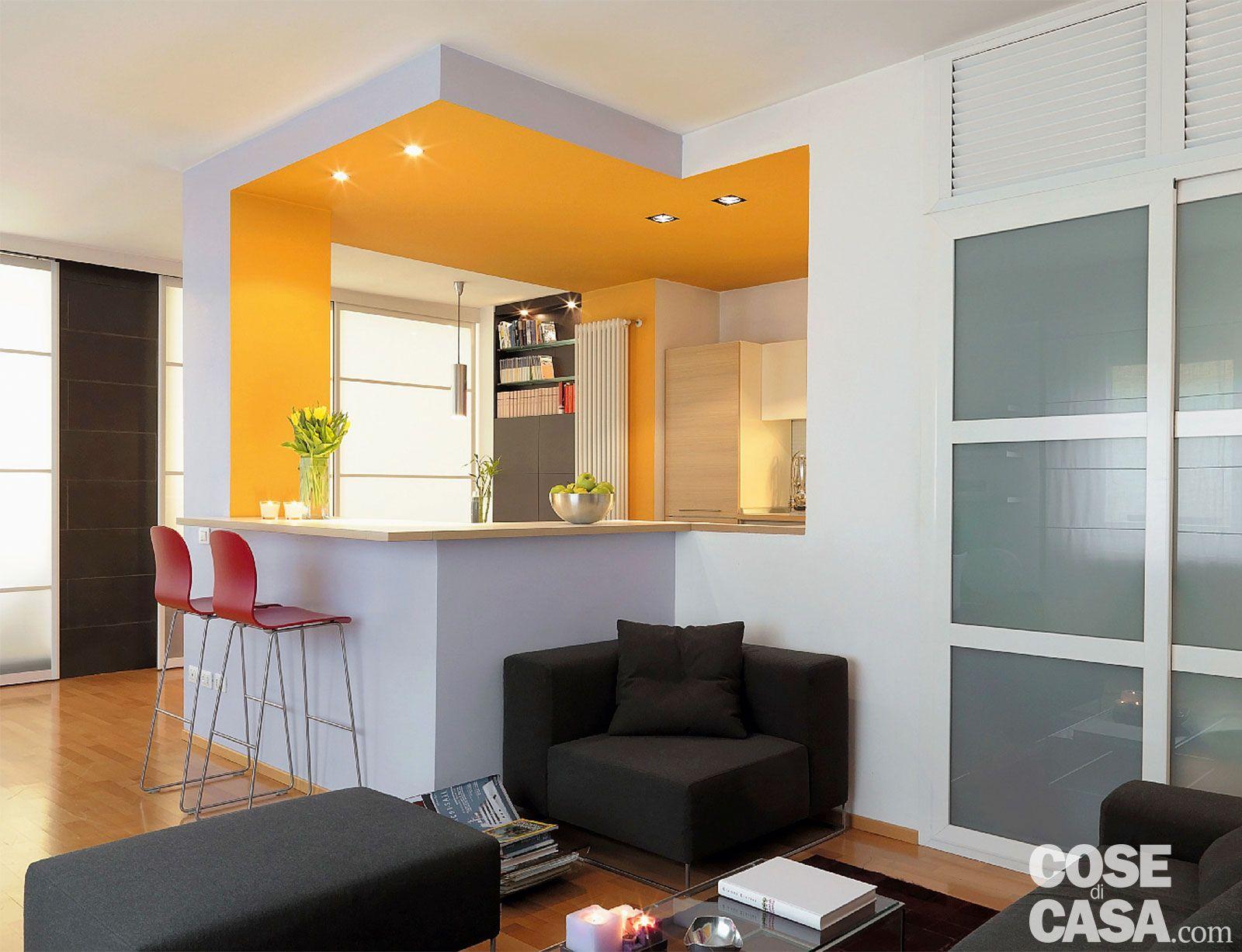 Vetrate scorrevoli dividono gli ambienti nella casa di 85 mq nel 2019 cucine cocinas - Separazione cucina soggiorno ...