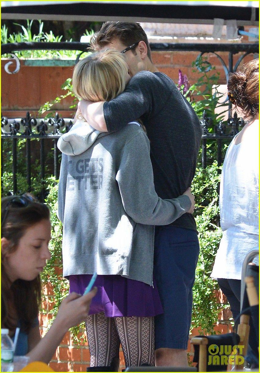 Emma Stone Andrew Garfield Film Spiderman With Sally Field 04 Emma
