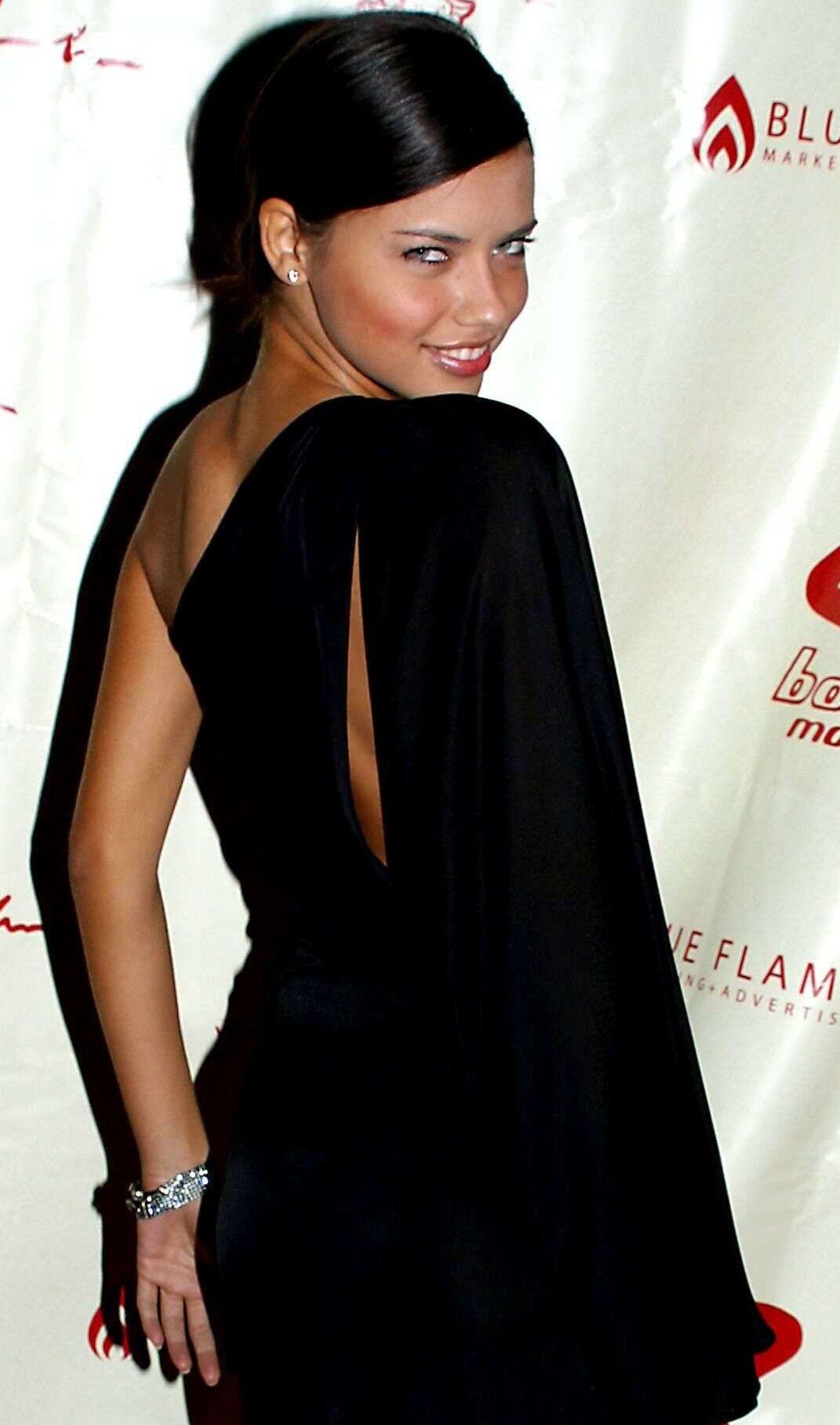 Adriana Lynn Nude Photos 87