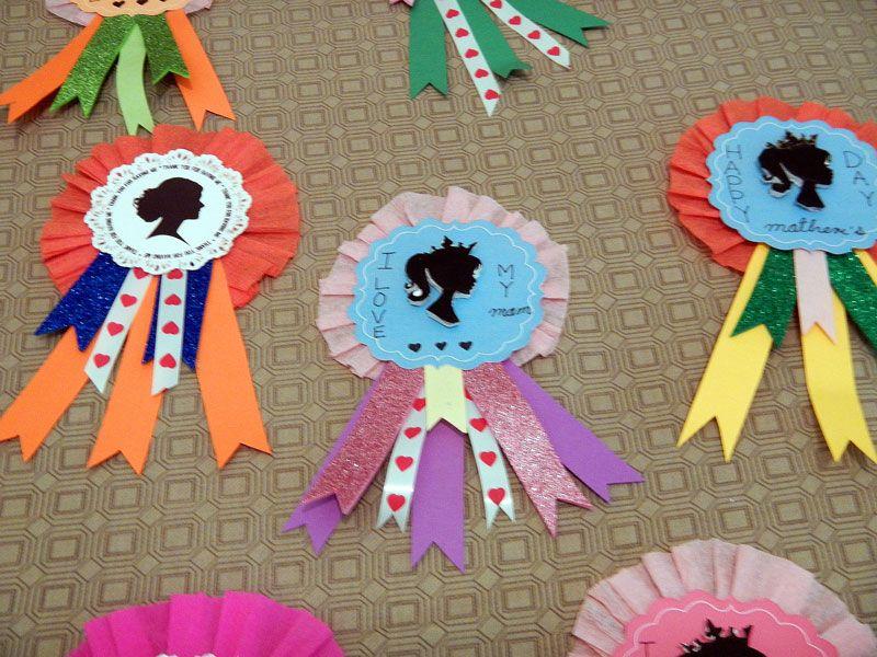 Distintivos dia de las madres pinterest dia de las for Puertas decoradas para el 10 de mayo