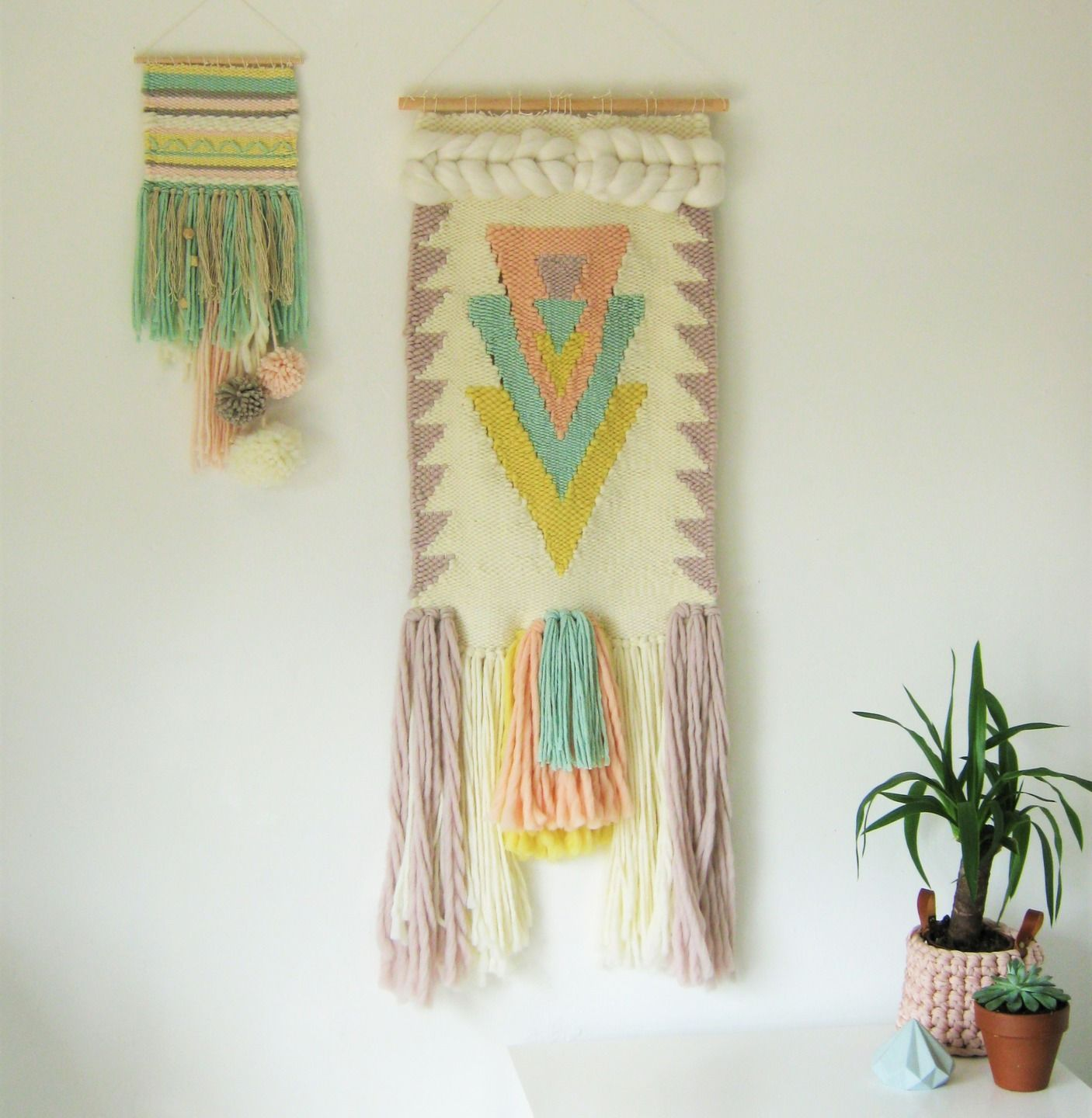 XXL TISSAGE MURAL pastel triangles totem suspension murale wall