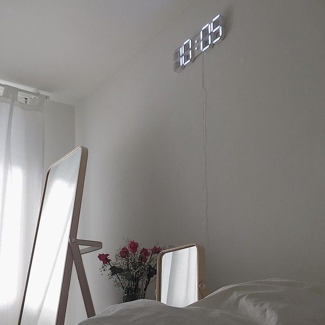 Pin by Carmen Paredes on Minimalism | Decor, Aesthetic ... on Room Decor Paredes Aesthetic id=83680