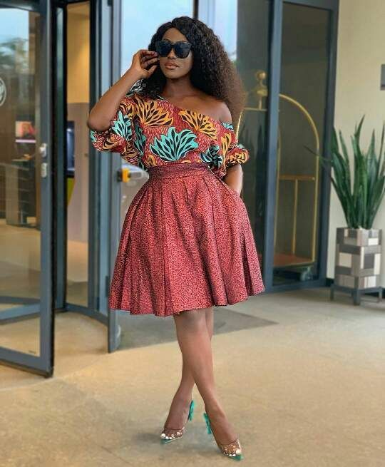 20 TIMES LINDA OSIFO WORE AMAZING AFRICAN PRINT DRESS STYLES #africanprintdresses