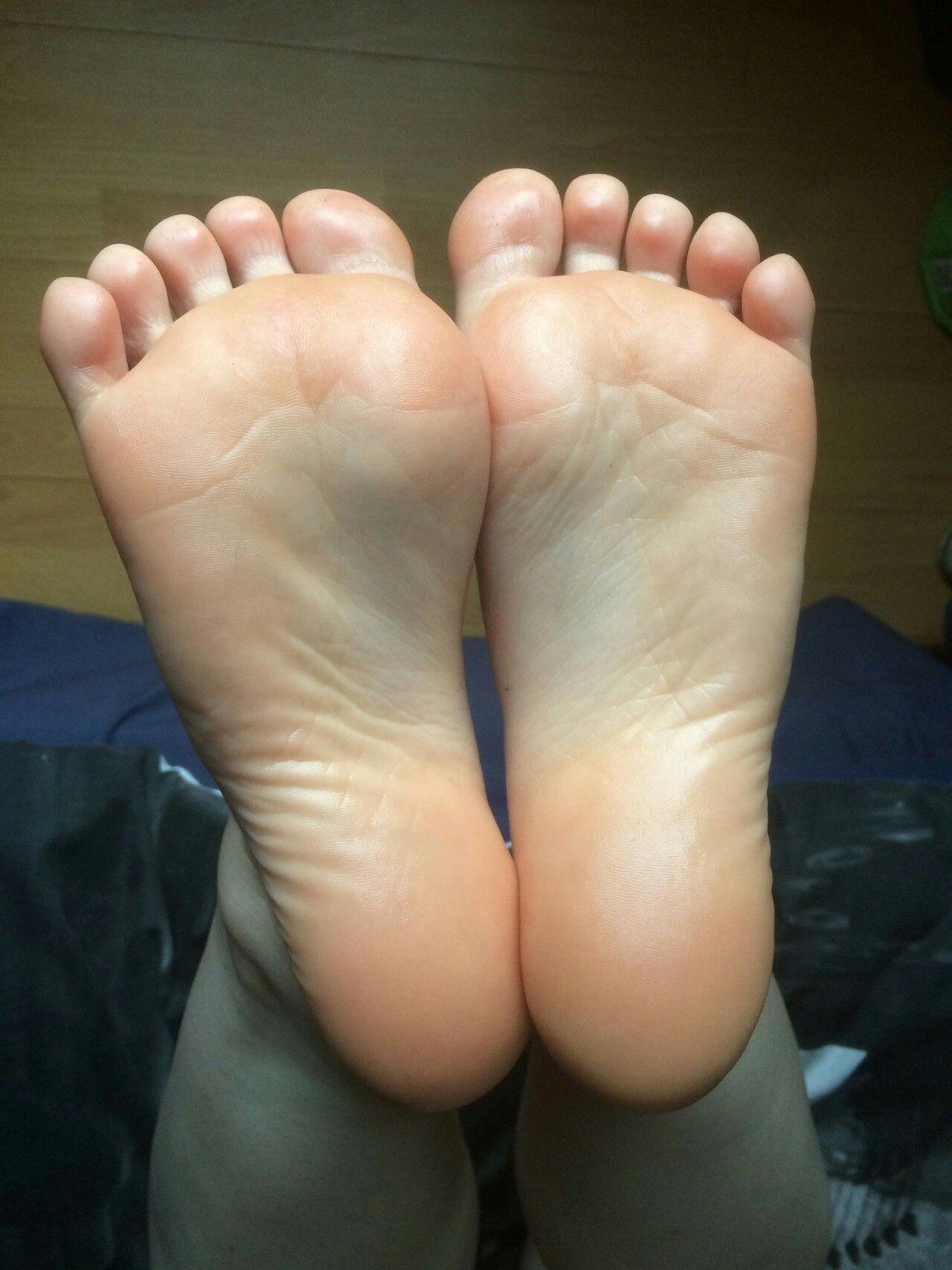 Pin On Cute Feet