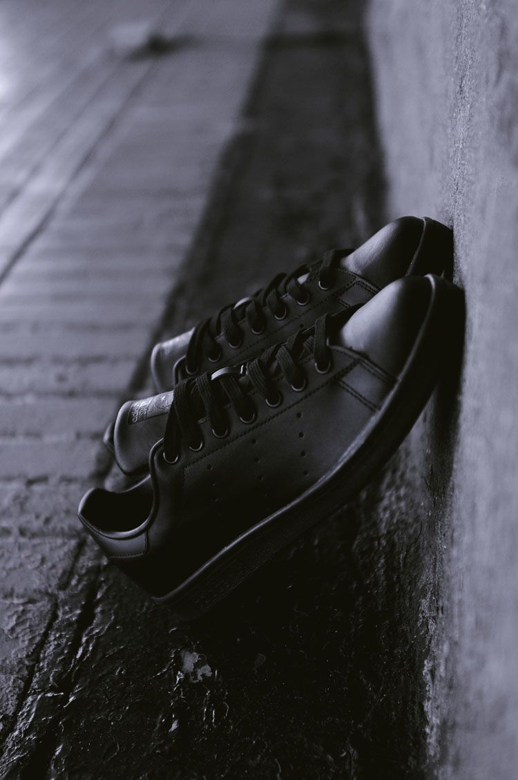 the latest bef75 34f54 adidas Originals All Black Stan Smith