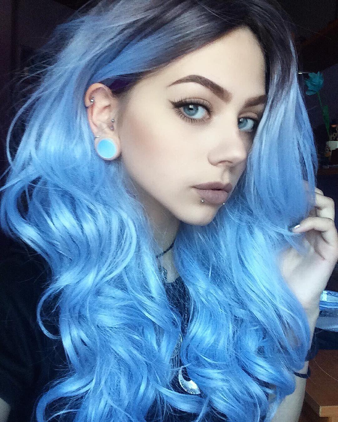 pin von katinka otaku auf colourful hair blaues ombre. Black Bedroom Furniture Sets. Home Design Ideas