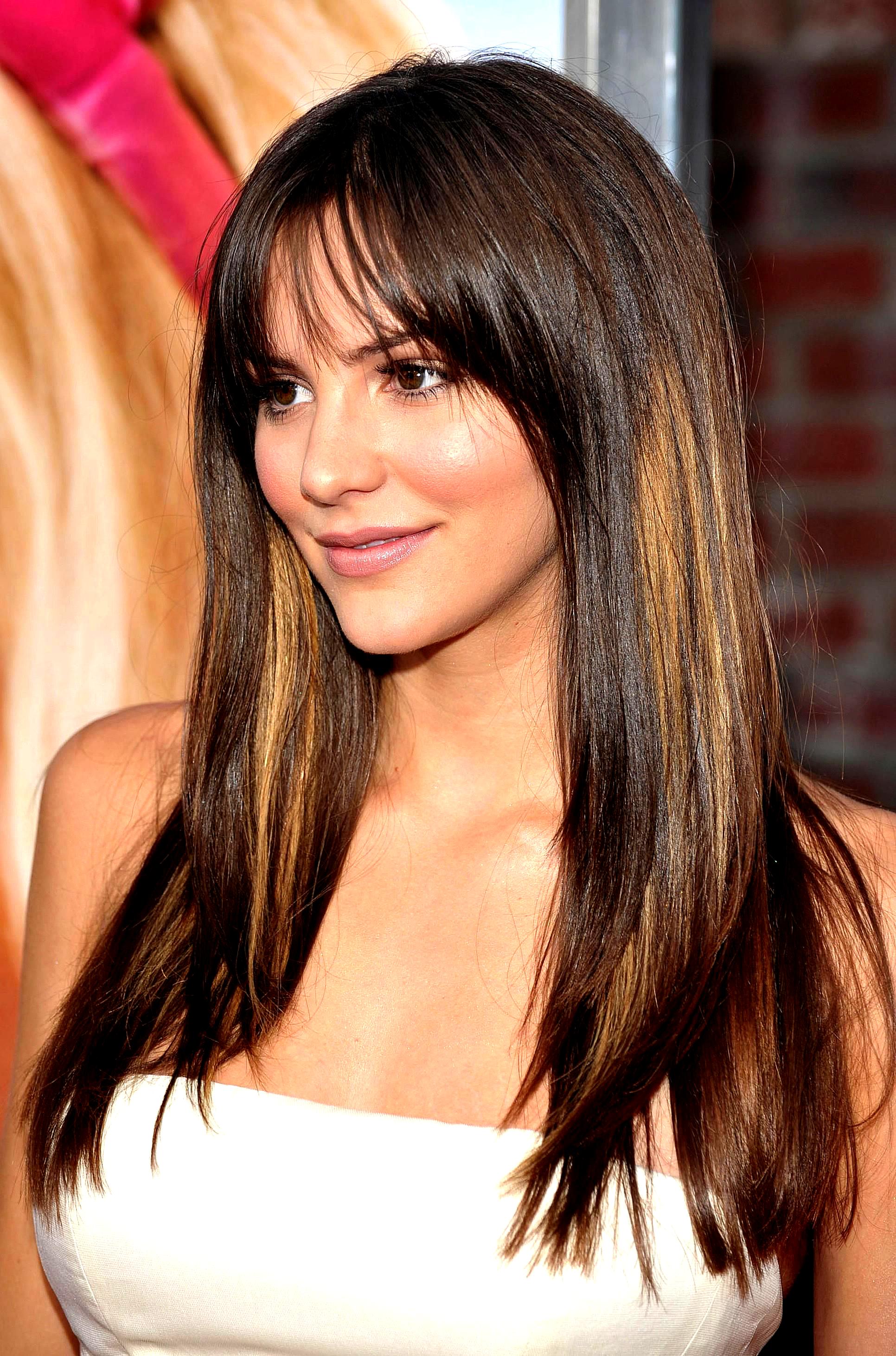 30 Schone Brotchen Modell Frisur Brotchen Frisuren Sie Konnen Diese Brioche Modelle Proble Frisuren Rundes Gesicht Haarschnitt Rundes Gesicht Lange Haare