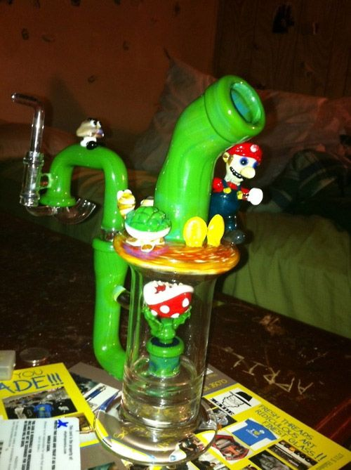 Not a big smoker... but this is pretty awesome. MARIO BONG. | Weed ...