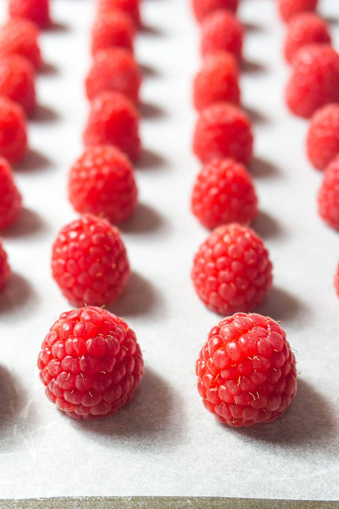 DIY Oven Dried Raspberries | Foodtasia