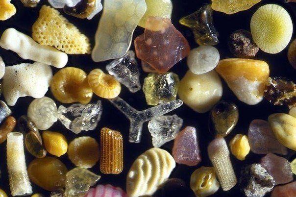 Песок под микроскопом с 250- кратным увеличением