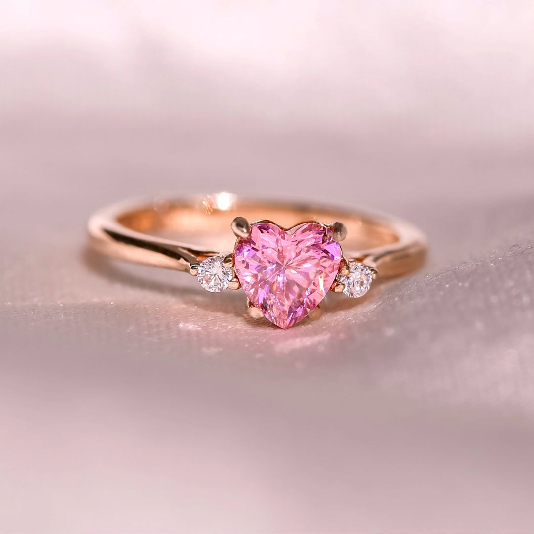 Lovely pink and silver solitaire ring