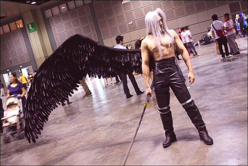 [EPICO] Um cosplay BRUTAL de Sethiroth de Final Fantasy VII, e ninguem sequer está a olhar ?! Wtf?!