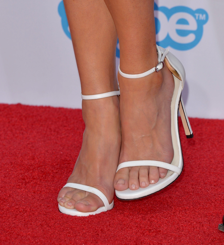 Anna fariss feet wikifeet stopy celebrytek pinterest anna fariss feet wikifeet voltagebd Choice Image