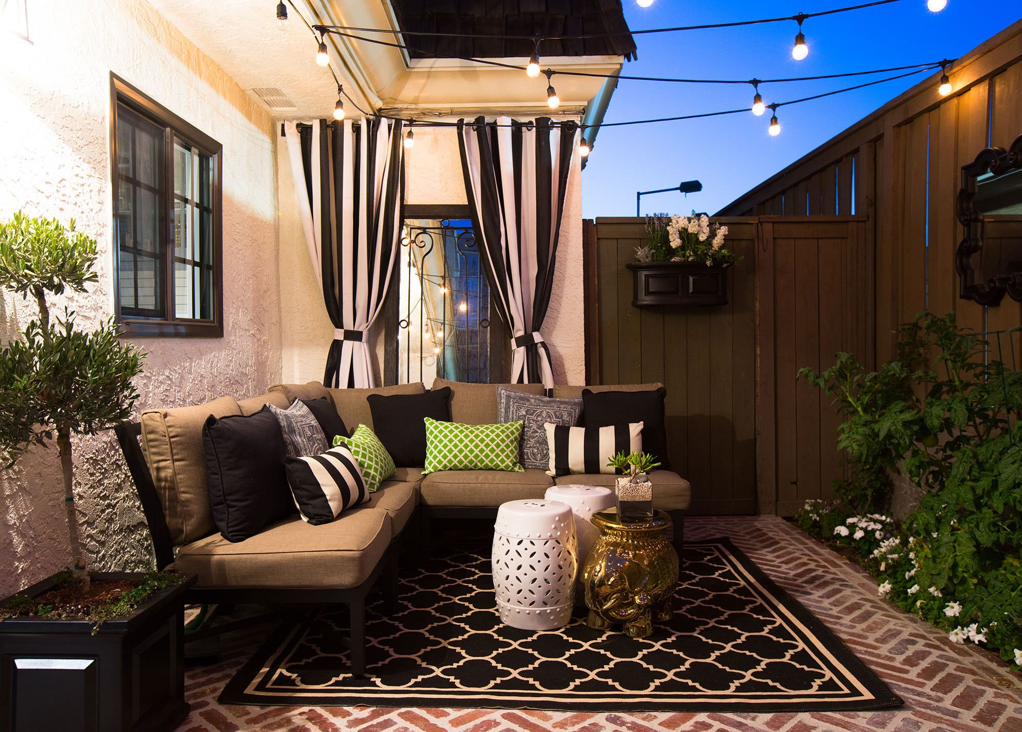 Ten Tips From Rundown Rental To Chic Starter Home Patio