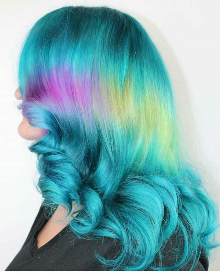 Shine Line Hair Is The Newest Trend Going Viral On Instagram Hair Vivid Hair Color Holographic Hair