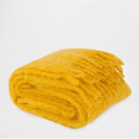 Zara Home Decke decke aus mohair mit fransen gelb decken schlafen zara home