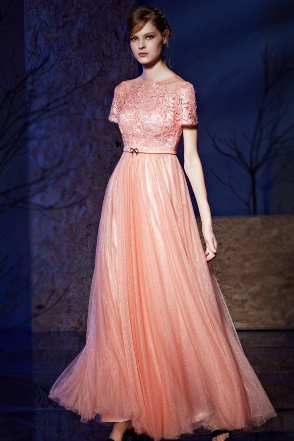 Robe rose poudré de gala à haut dentelle