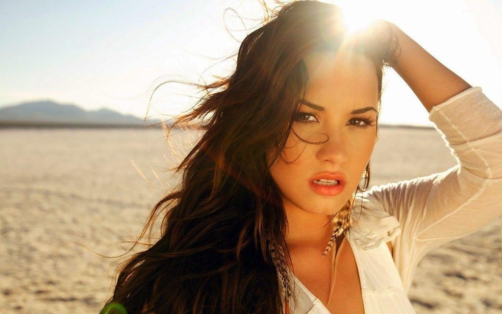 Demi Lovato Singer Face Wallpaper Demi Lovato Demi Lovato 2014